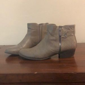 Brown ankle boots size 10